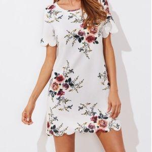 Dresses & Skirts - Floral scalloped dress